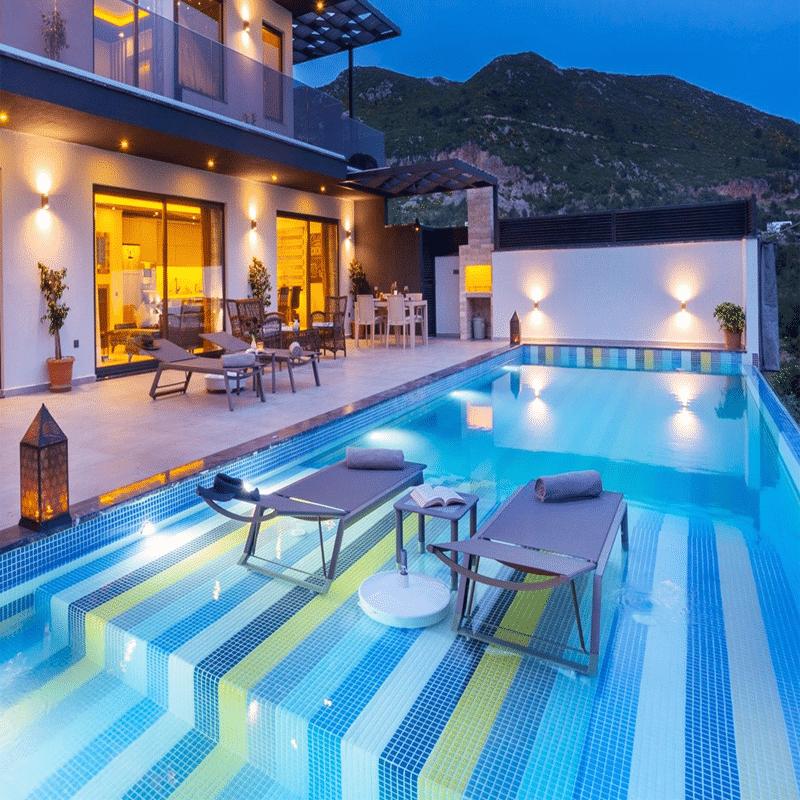 sumersible-pool-lights
